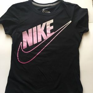 Nike slim fit short sleeve top Sz S